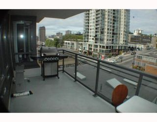 "Photo 3: 708 39 6TH Street in New Westminster: Downtown NW Condo for sale in ""QUANTUM"" : MLS®# V785801"