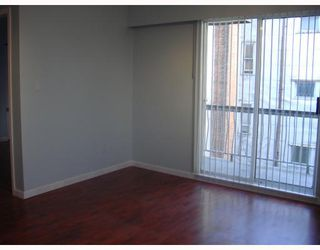 Photo 4: 19 430 E 8TH Avenue in Vancouver: Mount Pleasant VE Condo for sale (Vancouver East)  : MLS®# V811159