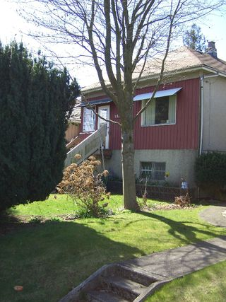 Photo 3: 7887 MONTCALM Street in Vancouver: Marpole House for sale (Vancouver West)  : MLS®# V761089