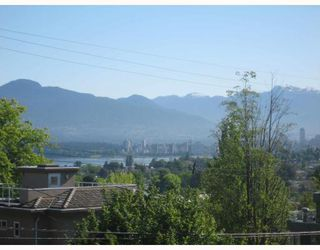 Photo 10: 3737 W 16TH Avenue in Vancouver: Point Grey House for sale (Vancouver West)  : MLS®# V768659