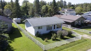 Photo 2: 5907 50 Avenue: Rural Lac Ste. Anne County House for sale : MLS®# E4177002