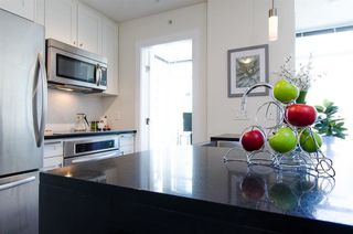 Photo 6: 1004 888 HOMER STREET in Vancouver West: Home for sale : MLS®# R2104957