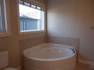 Photo 17: 11845 102 Avenue in Edmonton: Zone 12 House Half Duplex for sale : MLS®# E4189270