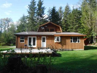 Main Photo: 2275 E MACKENZIE  20 Highway in Bella Coola: Bella Coola/Hagensborg House for sale (Williams Lake (Zone 27))  : MLS®# R2453262