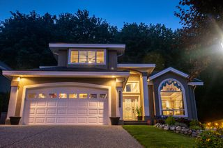 Photo 1: 35849 Regal Parkway in Abbotsford: Abbotsford East House for sale : MLS®# R2473025