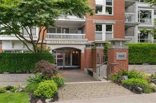 "Photo 1: 209 1868 W 5TH Avenue in Vancouver: Kitsilano Condo for sale in ""Greenwich"" (Vancouver West)  : MLS®# R2479221"