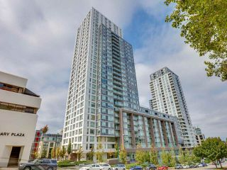 """Main Photo: 3301 5665 BOUNDARY Road in Vancouver: Collingwood VE Condo for sale in """"WALL CENTER CENTRAL PARK"""" (Vancouver East)  : MLS®# R2514454"""