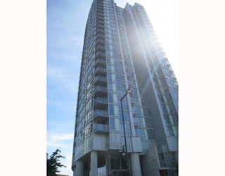 "Photo 1: 703 131 REGIMENT Square in Vancouver: Downtown VW Condo for sale in ""SPECTRUM"" (Vancouver West)  : MLS®# V786858"