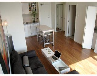 "Photo 2: 703 131 REGIMENT Square in Vancouver: Downtown VW Condo for sale in ""SPECTRUM"" (Vancouver West)  : MLS®# V786858"