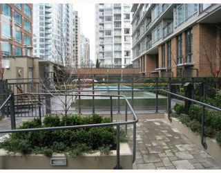 "Photo 7: 908 788 RICHARDS Street in Vancouver: Downtown VW Condo for sale in ""L'HERMITAGE"" (Vancouver West)  : MLS®# V808783"