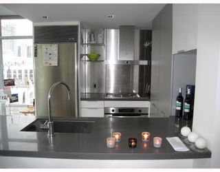 "Photo 2: 908 788 RICHARDS Street in Vancouver: Downtown VW Condo for sale in ""L'HERMITAGE"" (Vancouver West)  : MLS®# V808783"