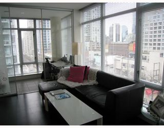 "Photo 3: 908 788 RICHARDS Street in Vancouver: Downtown VW Condo for sale in ""L'HERMITAGE"" (Vancouver West)  : MLS®# V808783"