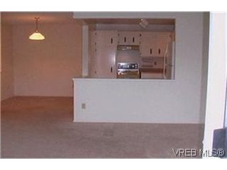 Photo 2:  in VICTORIA: Vi Oaklands Condo for sale (Victoria)  : MLS®# 417796