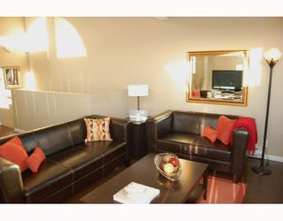 """Photo 3: 795 W 15TH Avenue in Vancouver: Fairview VW Townhouse for sale in """"WILLOW PLACE"""" (Vancouver West)  : MLS®# V758859"""
