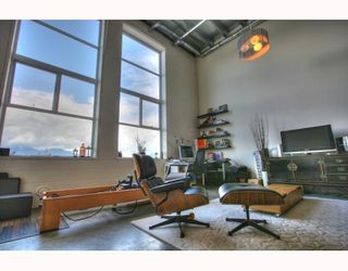 "Photo 6: 201 1220 E PENDER Street in Vancouver: Mount Pleasant VE Condo for sale in ""The Workshop"" (Vancouver East)  : MLS®# V768292"
