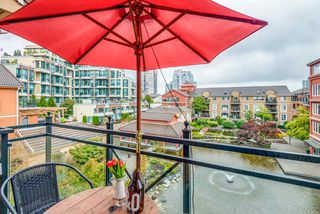 "Photo 15: 423 3 RIALTO Court in New Westminster: Quay Condo for sale in ""The Rialto"" : MLS®# R2408351"
