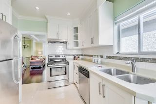 Photo 3: 350 E 60TH Avenue in Vancouver: South Vancouver House for sale (Vancouver East)  : MLS®# R2415382