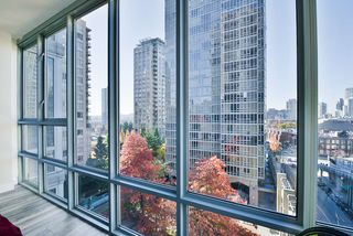 "Photo 14: 903 930 CAMBIE Street in Vancouver: Yaletown Condo for sale in ""PACIFIC PLACE LANDMARK II"" (Vancouver West)  : MLS®# R2422191"