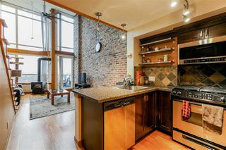 "Photo 5: 419 10 RENAISSANCE Square in New Westminster: Quay Condo for sale in ""MURANO LOFTS"" : MLS®# R2435316"