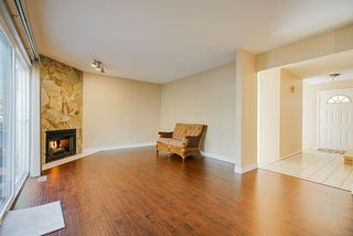 Photo 3: 2881 NASH Drive in Coquitlam: Scott Creek House for sale : MLS®# R2437438