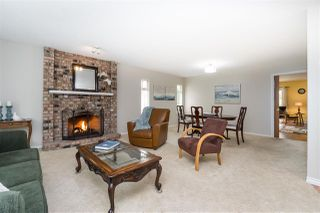 """Photo 6: 14230 20 Avenue in Surrey: Sunnyside Park Surrey House for sale in """"Sunnyside"""" (South Surrey White Rock)  : MLS®# R2499825"""