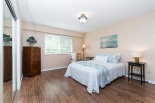 """Photo 15: 14230 20 Avenue in Surrey: Sunnyside Park Surrey House for sale in """"Sunnyside"""" (South Surrey White Rock)  : MLS®# R2499825"""