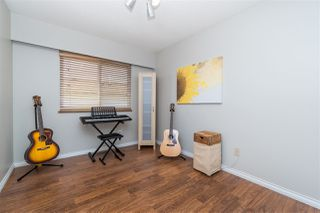 """Photo 19: 14230 20 Avenue in Surrey: Sunnyside Park Surrey House for sale in """"Sunnyside"""" (South Surrey White Rock)  : MLS®# R2499825"""
