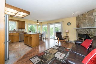 """Photo 9: 14230 20 Avenue in Surrey: Sunnyside Park Surrey House for sale in """"Sunnyside"""" (South Surrey White Rock)  : MLS®# R2499825"""