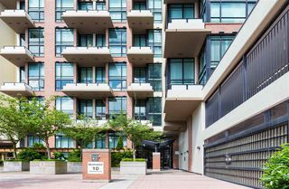 """Photo 13: 325 10 RENAISSANCE Square in New Westminster: Quay Condo for sale in """"MURANO LOFTS"""" : MLS®# R2503048"""