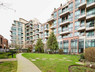 """Photo 18: 325 10 RENAISSANCE Square in New Westminster: Quay Condo for sale in """"MURANO LOFTS"""" : MLS®# R2503048"""