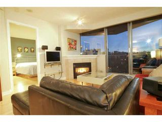 """Photo 2: 801 1575 W 10TH Avenue in Vancouver: Fairview VW Condo for sale in """"THE TRITON"""" (Vancouver West)  : MLS®# V862068"""