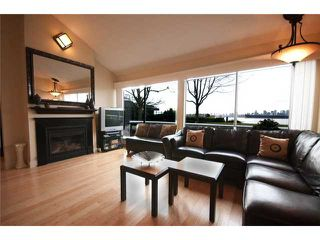 "Photo 3: 4103 33 CHESTERFIELD Place in North Vancouver: Lower Lonsdale Townhouse for sale in ""HARBOURVIEW PARK"" : MLS®# V864886"