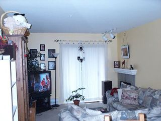 Photo 5: 211 8110 120 A Street: Condo for sale (Queen Mary Park)  : MLS®# F2506139