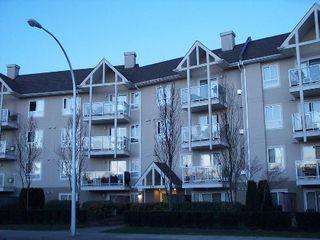 Photo 1: 211 8110 120 A Street: Condo for sale (Queen Mary Park)  : MLS®# F2506139