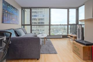 "Photo 2: 1202 1367 ALBERNI Street in Vancouver: West End VW Condo for sale in ""The Lions"" (Vancouver West)  : MLS®# R2431750"