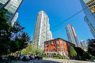 "Photo 2: 1706 1239 W GEORGIA Street in Vancouver: Coal Harbour Condo for sale in ""VENUS"" (Vancouver West)  : MLS®# R2488279"