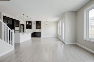 Photo 7: 223 EVANSGLEN Circle NW in Calgary: Evanston Detached for sale : MLS®# A1039757