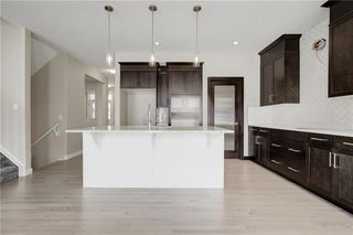 Photo 11: 223 EVANSGLEN Circle NW in Calgary: Evanston Detached for sale : MLS®# A1039757