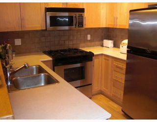 "Photo 3: 2405 4625 VALLEY Drive in Vancouver: Quilchena Condo for sale in ""Alexandra House"" (Vancouver West)  : MLS®# V787881"
