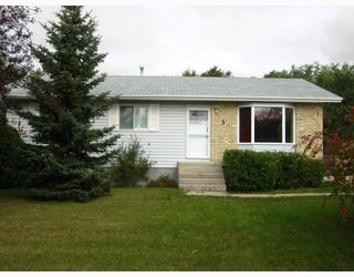 Photo 1: 3 COTTONWOOD Bay in STONEWALL: Argyle / Balmoral / Grosse Isle / Gunton / Stony Mountain / Stonewall / Marquette / Warren / Woodlands Residential for sale (Winnipeg area)  : MLS®# 2918724