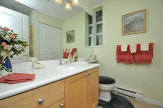 """Photo 19: 103 1920 E KENT SOUTH Avenue in Vancouver: Fraserview VE Townhouse for sale in """"HARBOUR HOUSE"""" (Vancouver East)  : MLS®# V802219"""