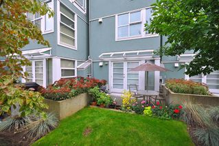 "Photo 21: 103 1920 E KENT SOUTH Avenue in Vancouver: Fraserview VE Townhouse for sale in ""HARBOUR HOUSE"" (Vancouver East)  : MLS®# V802219"