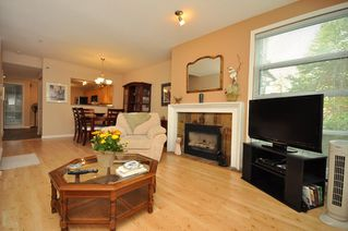 """Photo 4: 103 1920 E KENT SOUTH Avenue in Vancouver: Fraserview VE Townhouse for sale in """"HARBOUR HOUSE"""" (Vancouver East)  : MLS®# V802219"""