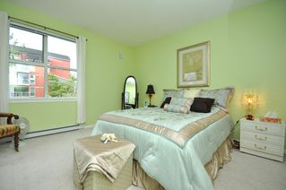 """Photo 13: 103 1920 E KENT SOUTH Avenue in Vancouver: Fraserview VE Townhouse for sale in """"HARBOUR HOUSE"""" (Vancouver East)  : MLS®# V802219"""