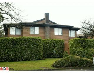 "Photo 1: 809 10620 150TH Street in Surrey: Guildford Townhouse for sale in ""LINCOLNS GATE"" (North Surrey)  : MLS®# F1004269"