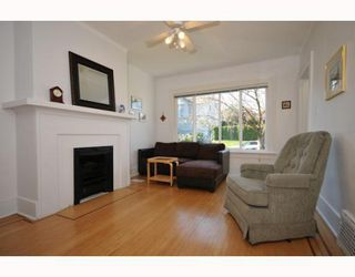 Photo 2: 2636 ST CATHERINES Street in Vancouver: Mount Pleasant VE House 1/2 Duplex for sale (Vancouver East)  : MLS®# V812567
