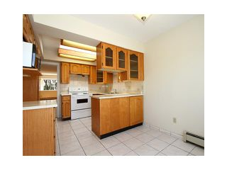 """Photo 5: 2039 E 13TH Avenue in Vancouver: Grandview VE House for sale in """"TROUT LAKE"""" (Vancouver East)  : MLS®# V831057"""