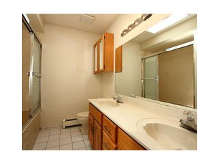 """Photo 7: 2039 E 13TH Avenue in Vancouver: Grandview VE House for sale in """"TROUT LAKE"""" (Vancouver East)  : MLS®# V831057"""