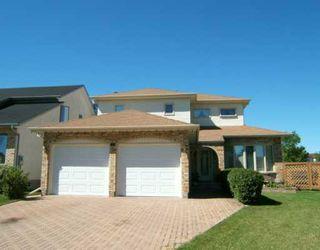 Photo 1: 55 MIDDLEHURST Crescent in WINNIPEG: North Kildonan Single Family Detached for sale (North East Winnipeg)  : MLS®# 2514106