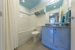 Photo 13: 908 38 W 1ST Avenue in Vancouver: False Creek Condo for sale (Vancouver West)  : MLS®# R2389824